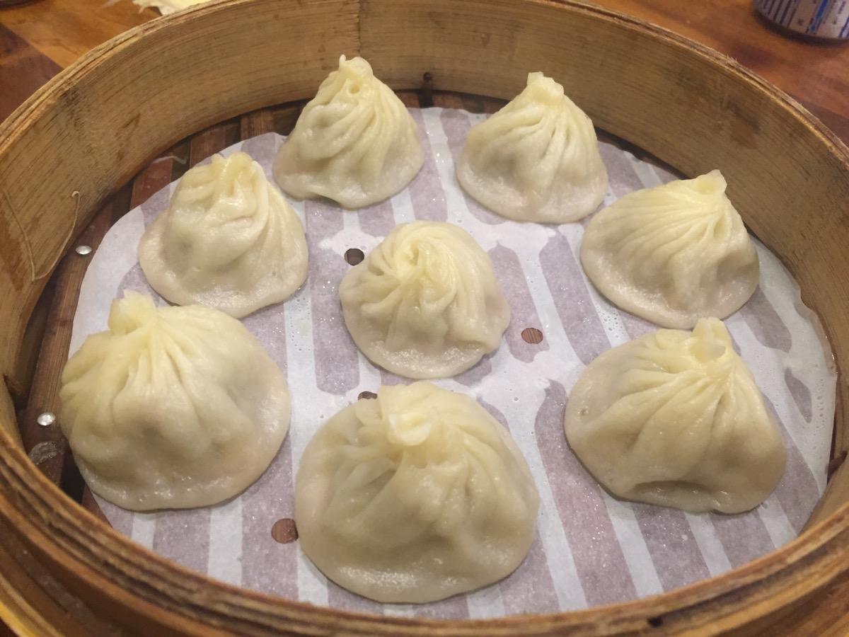 杭州小籠湯包の蟹黃湯包