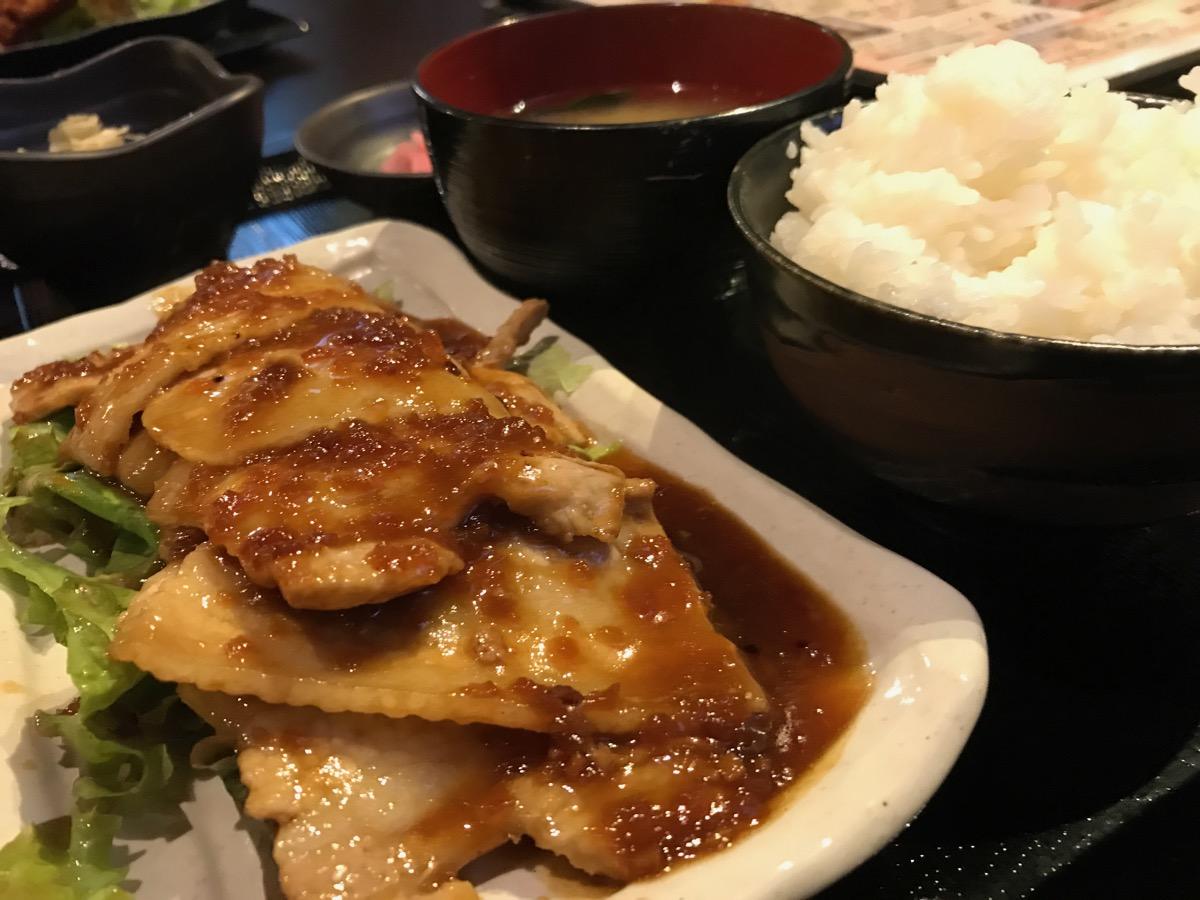 葦駄天IDATEN六本木店の豚バラ生姜焼き定食