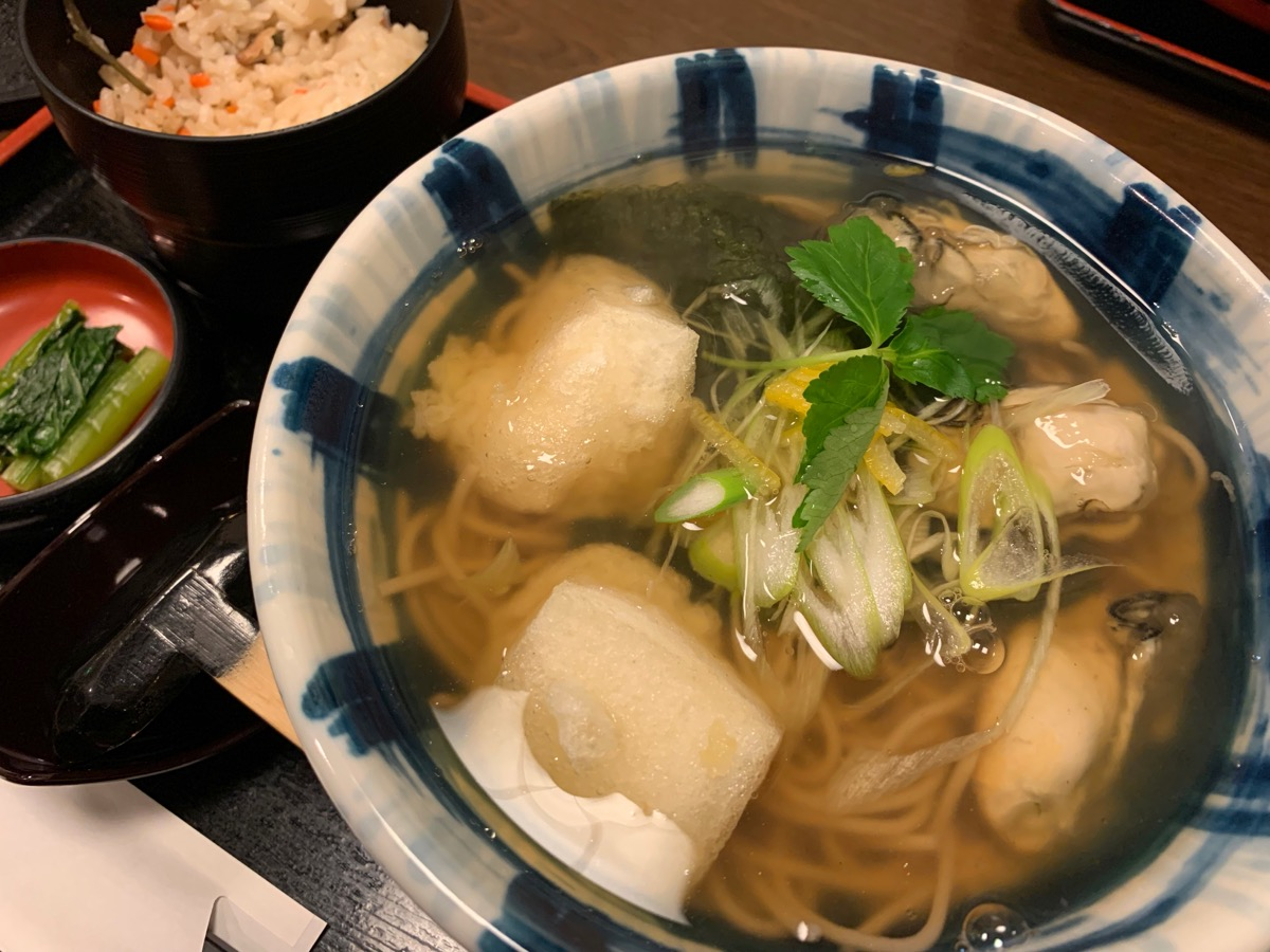 信州そば処そじ坊東京オペラシティ店の牡蠣もちそば定食