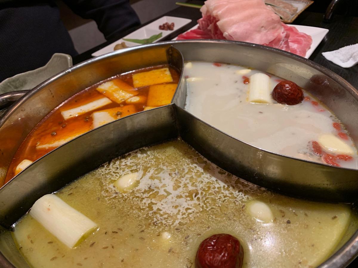 蒙古薬膳しゃぶしゃぶ小尾羊上野店の薬膳火鍋・しゃぶしゃぶ食べ放題コース