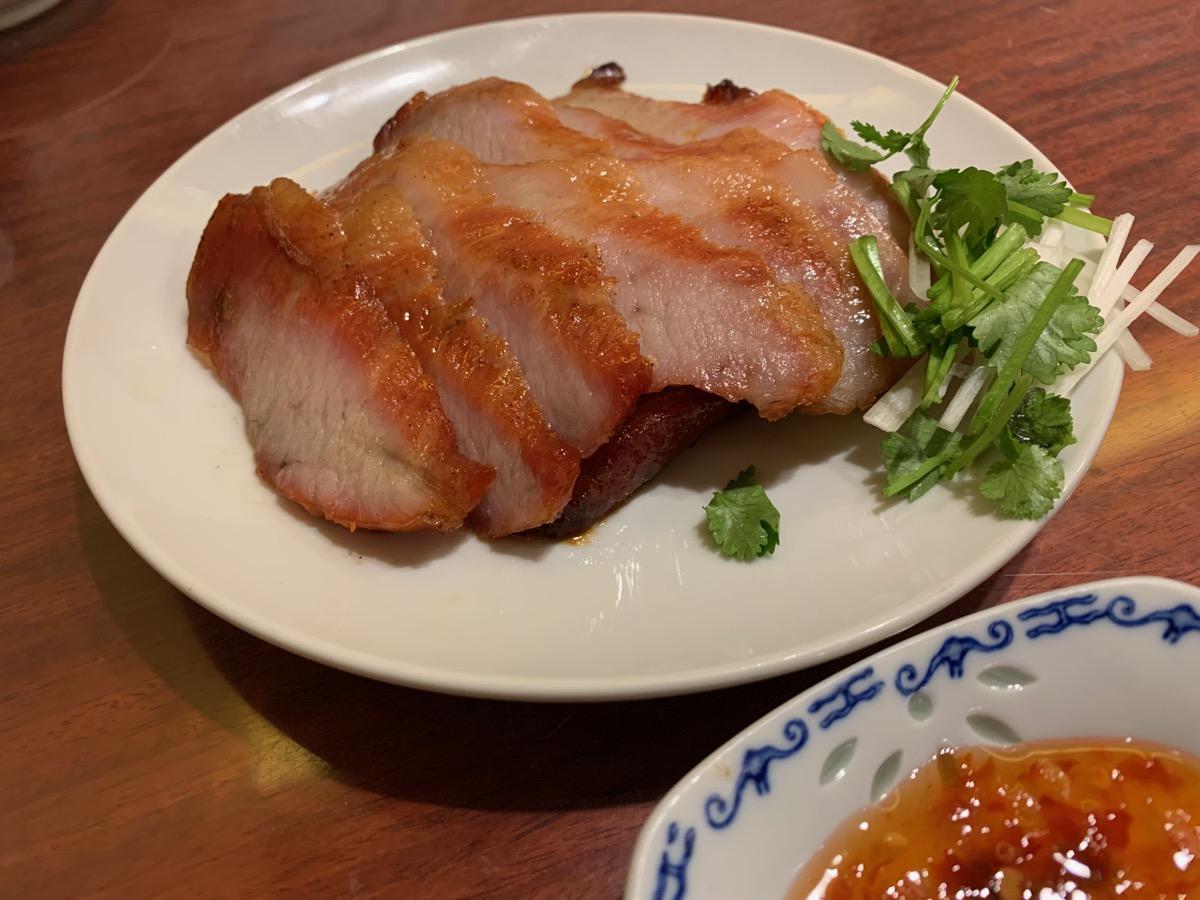中華菜館同發本館の焼猪頸肉