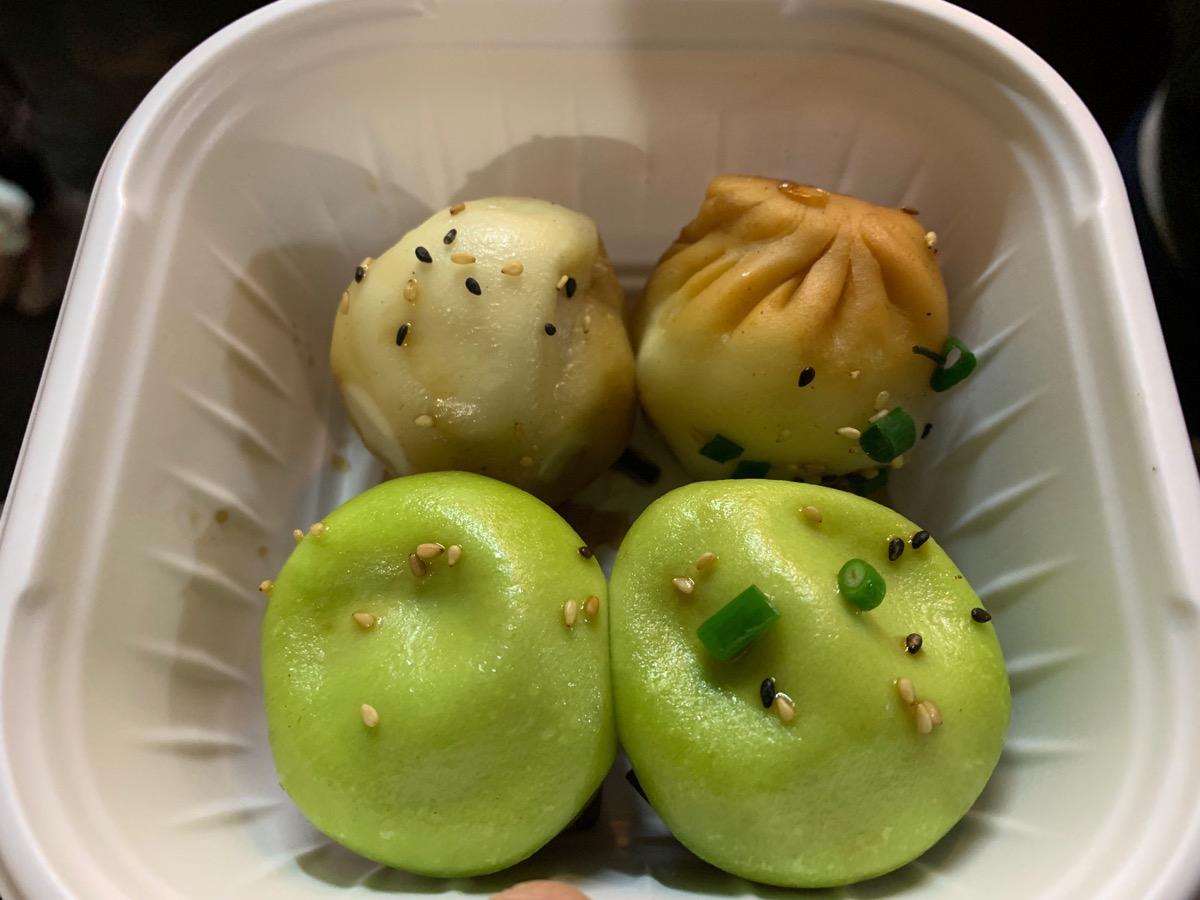 上海小籠包専門店鵬天閣新館の海鮮と豚肉2種盛りセット