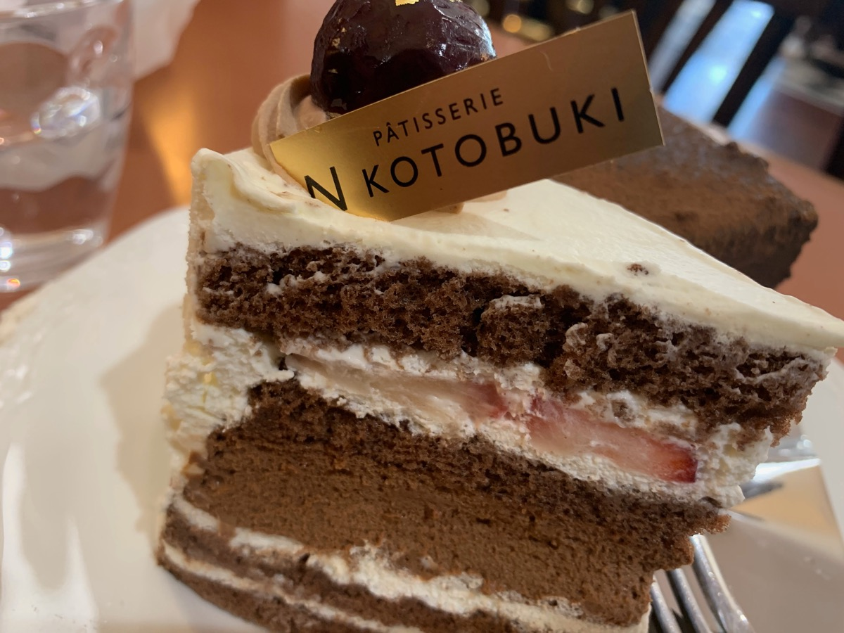 サロンド・カフェ・コトブキの生チョコショート