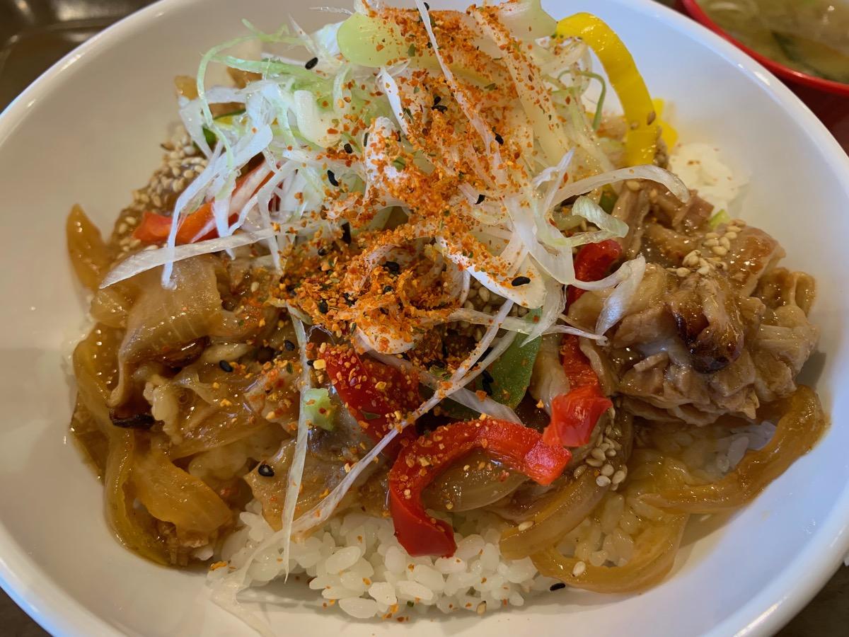イーストキャラバン(キャラ丼)の焼き肉丼
