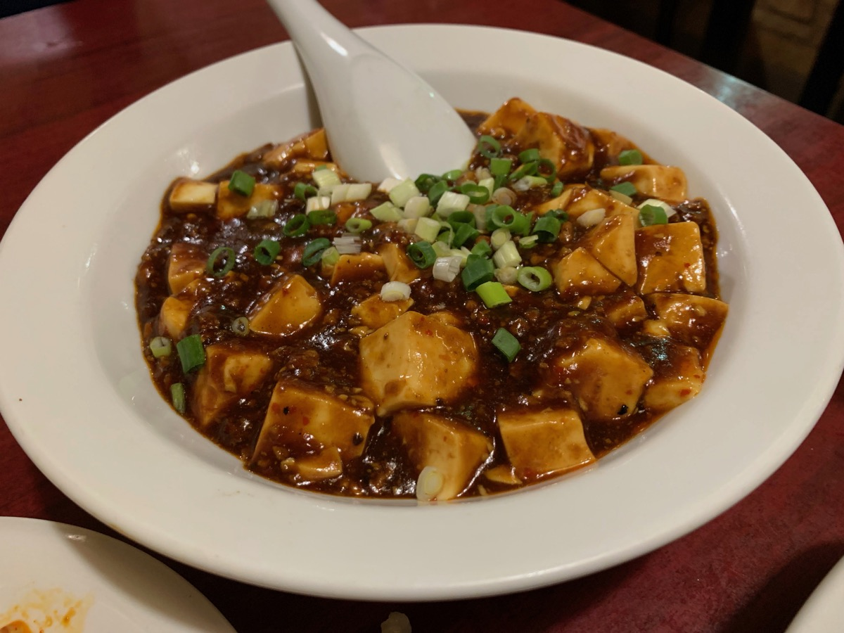 東僑飯店の麻婆豆腐