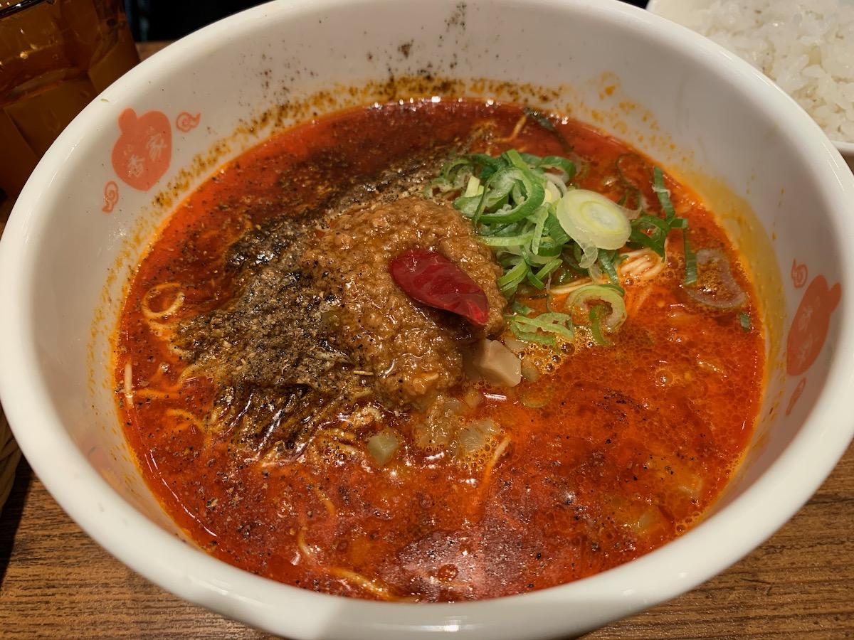 香家渋谷ヒカリエShinQs店の鬼・担々麺