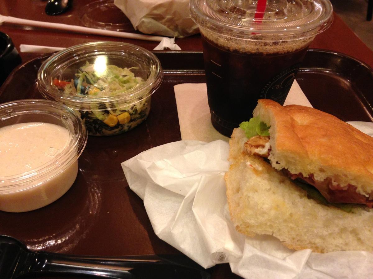 カフェクロワッサン・札幌アピア店のランチバッグ