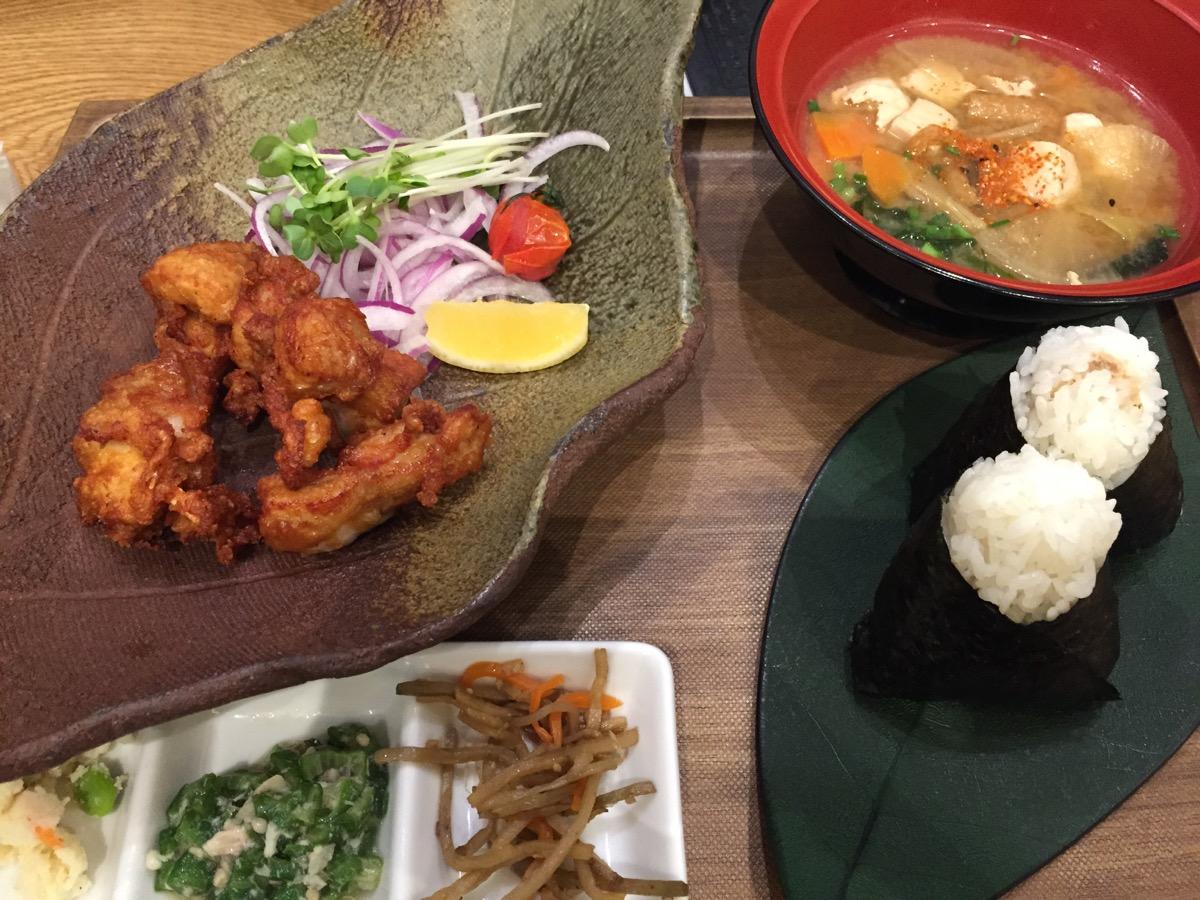 おむすびのGABA秋葉原店のGABA米粉の若鶏唐揚げ