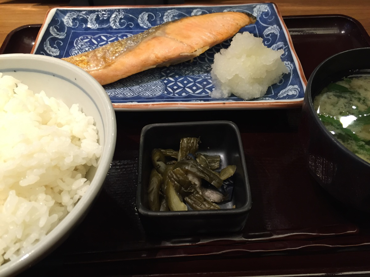 一会の鮭定食