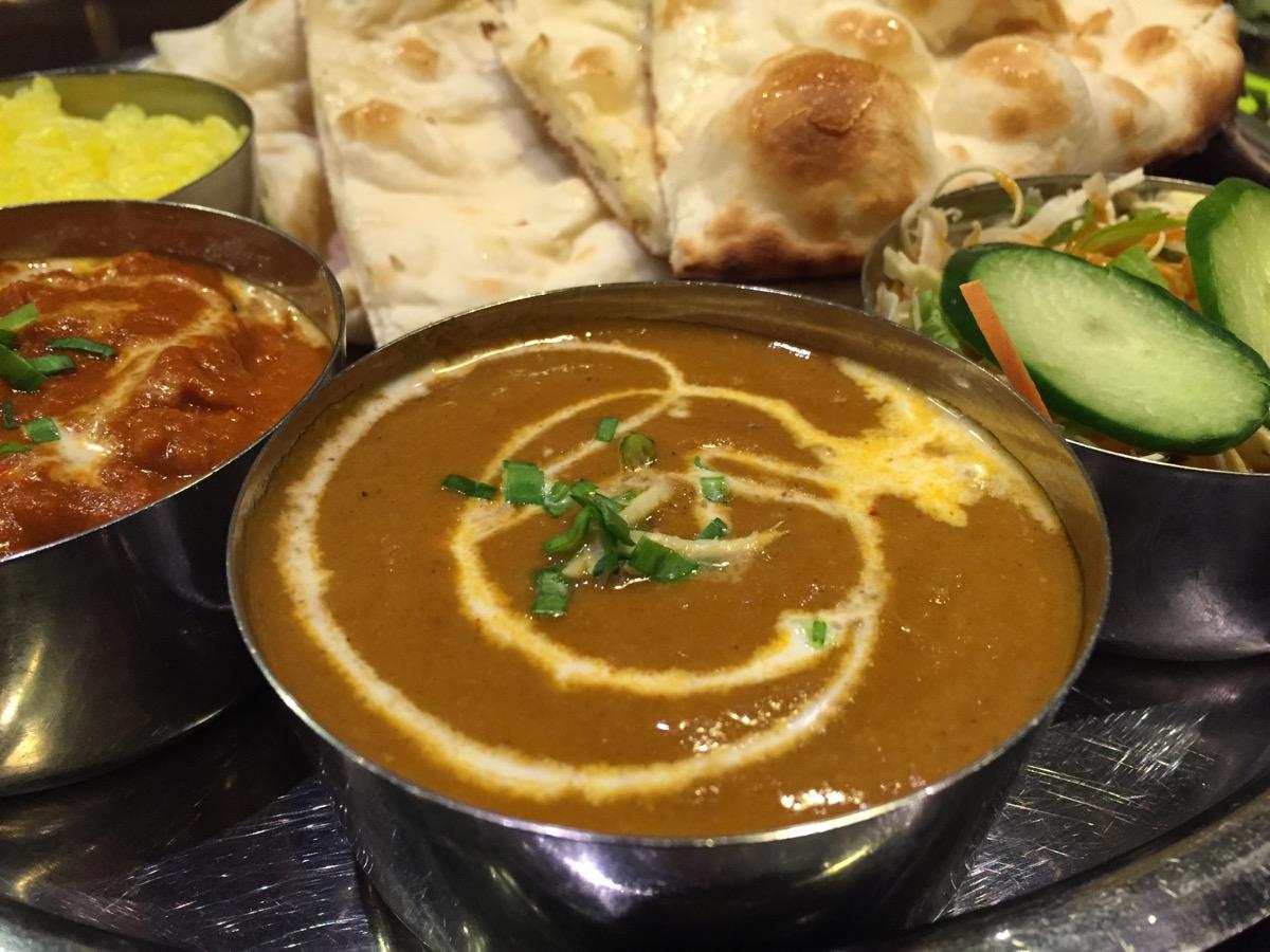 ネパール・インド料理RaRaのチキンバルタとマトンセット