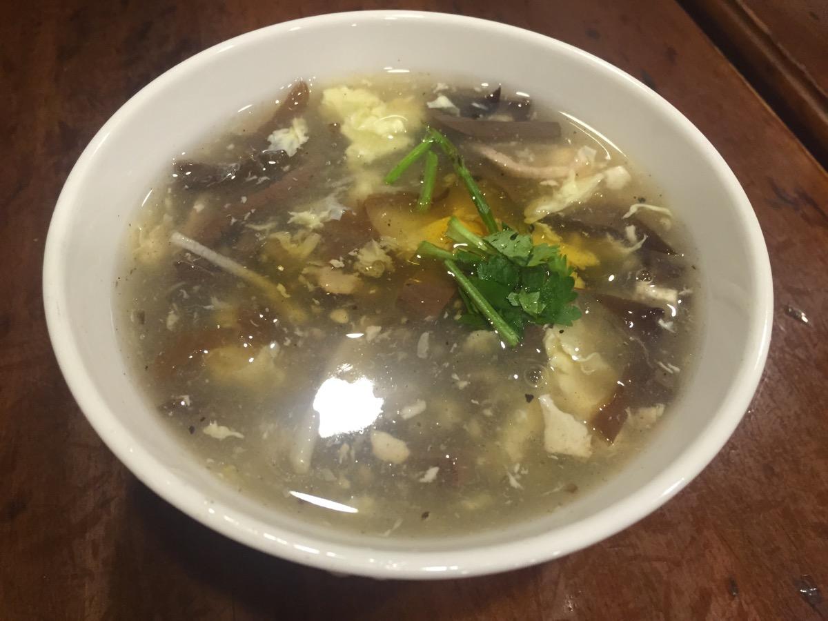 杭州小籠湯包の酸辣湯
