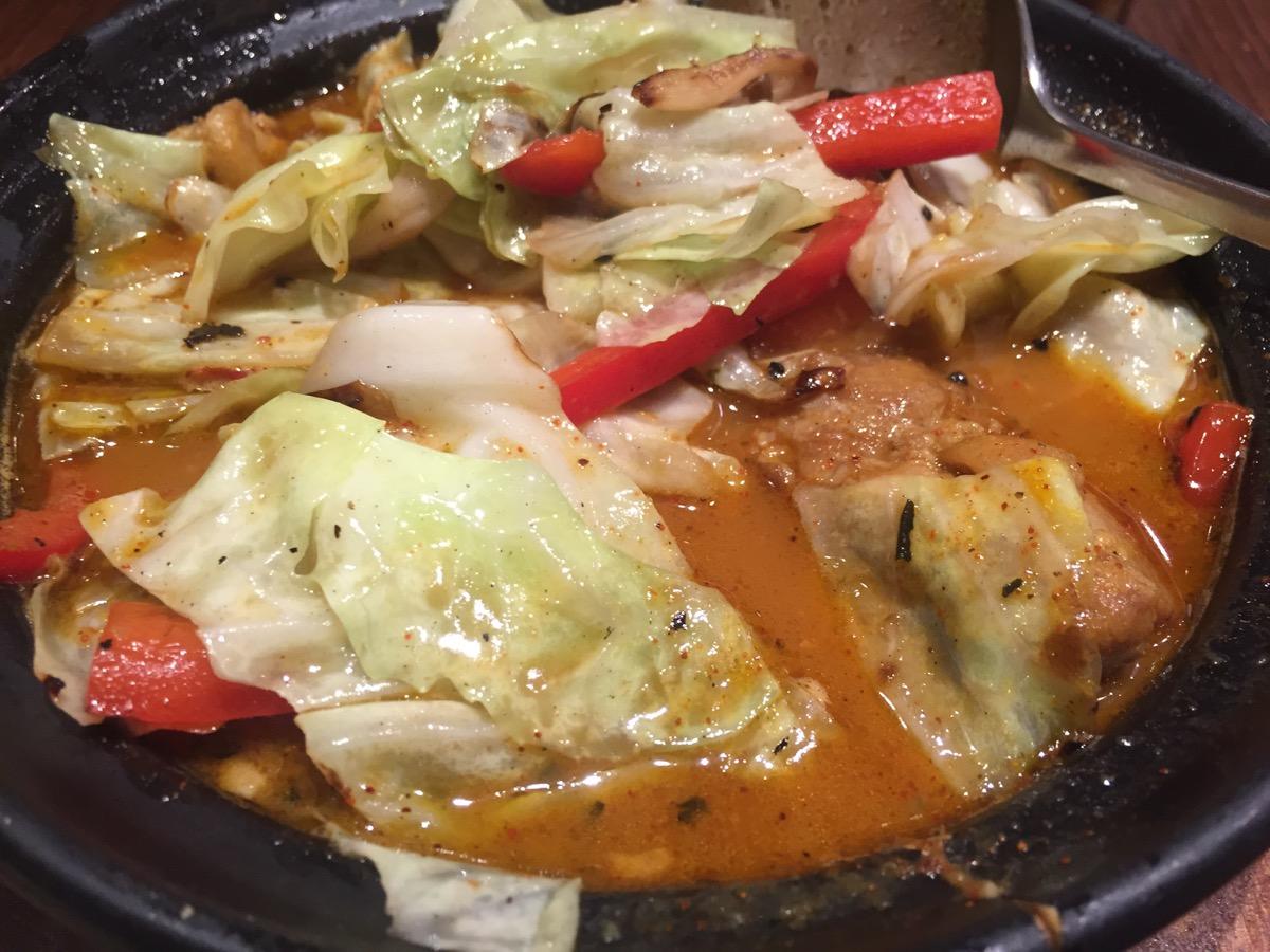 Hot Spoon 丸の内店の野菜たっぷりのグリーンカレー