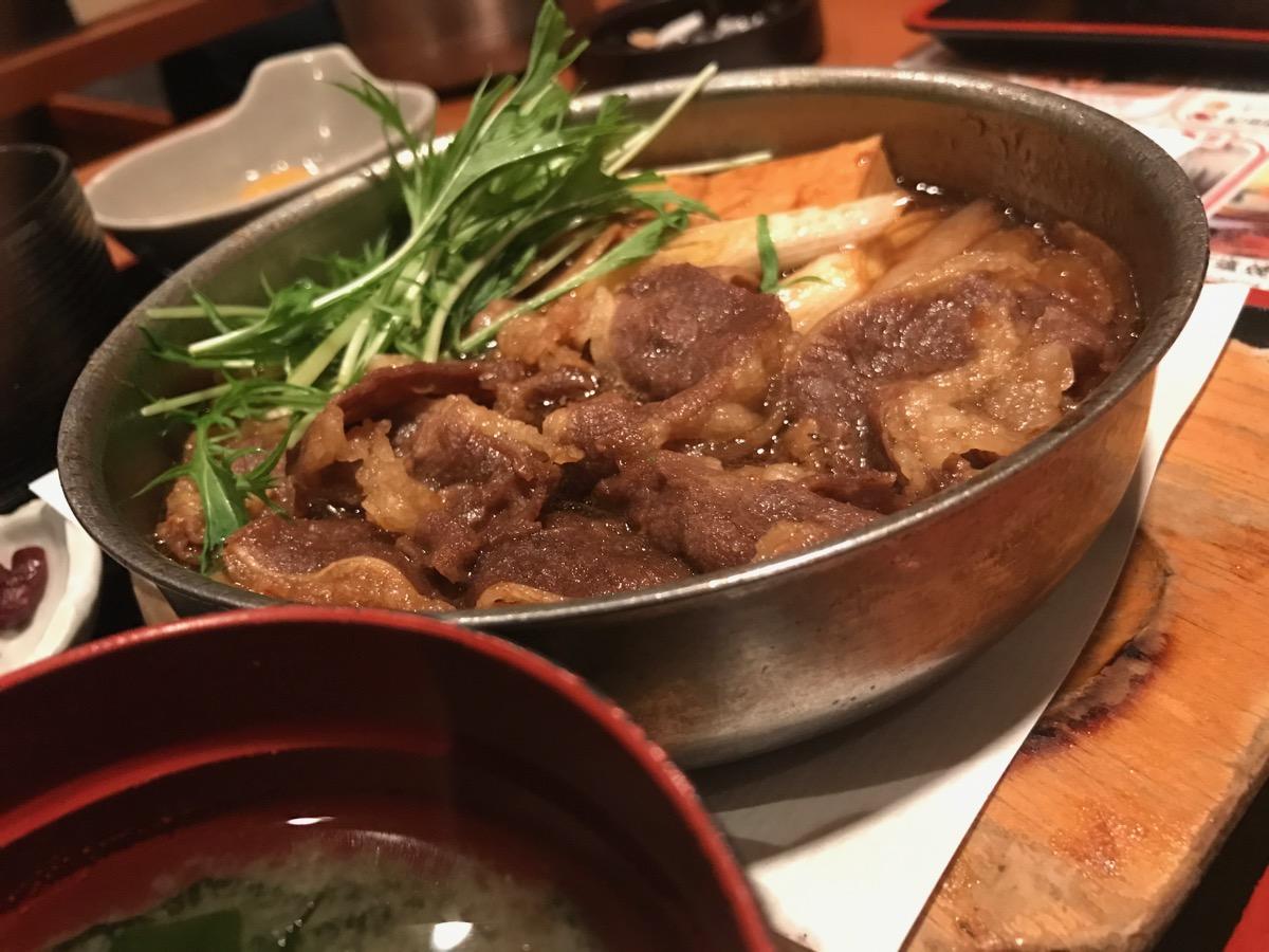 素材屋大手町ビル店の牛すき焼き定食