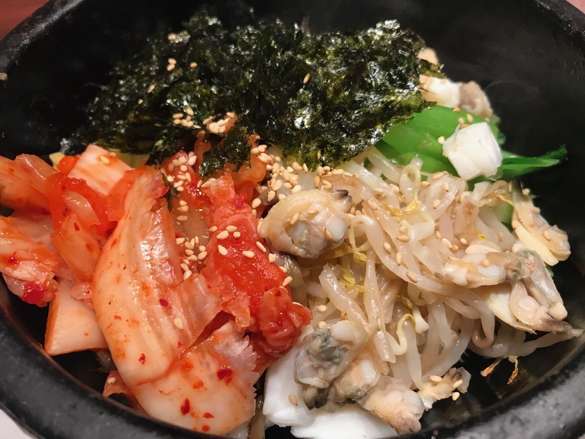 韓国家庭料理チェゴヤ六本木一丁目ティーキューブ店の海鮮石焼ビビンバ