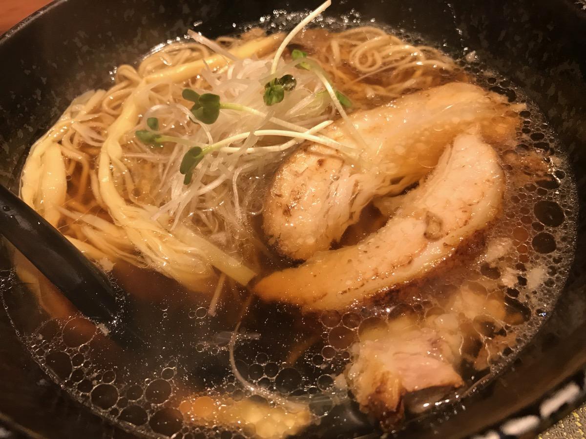 麺匠竹虎六本木店のあご出汁醤油ラーメン