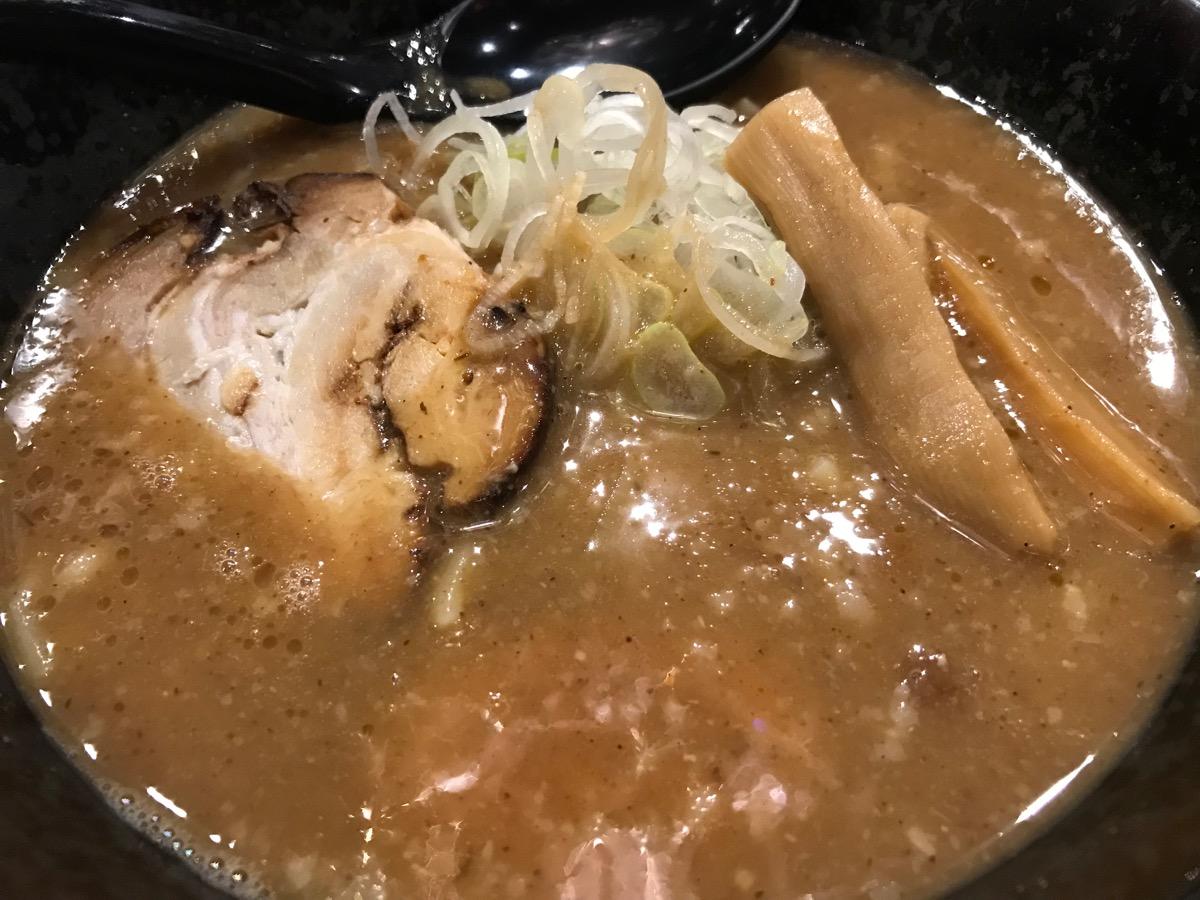 麺匠竹虎六本木店の魚介豚骨ラーメン