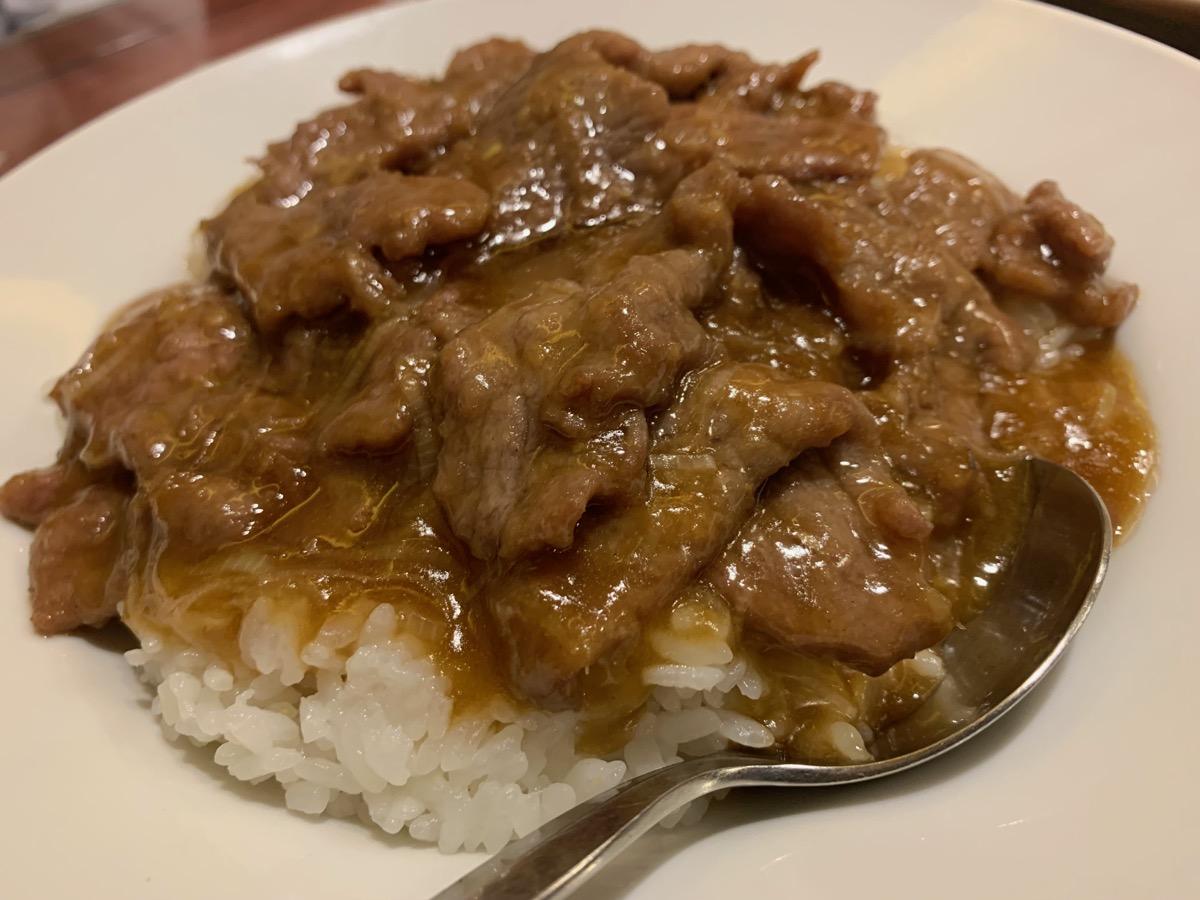 中華菜館同發本館の蠓油牛飯