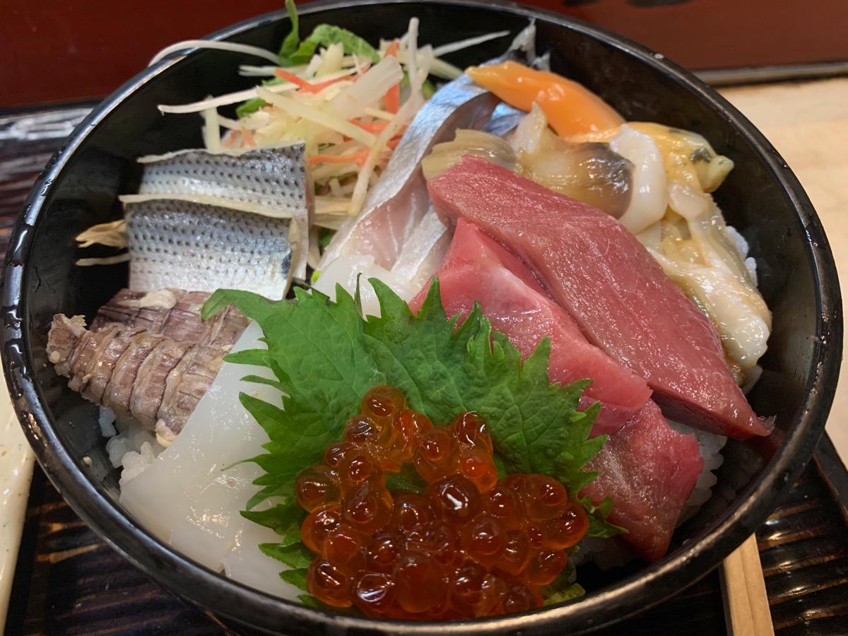 嘉月の海鮮丼