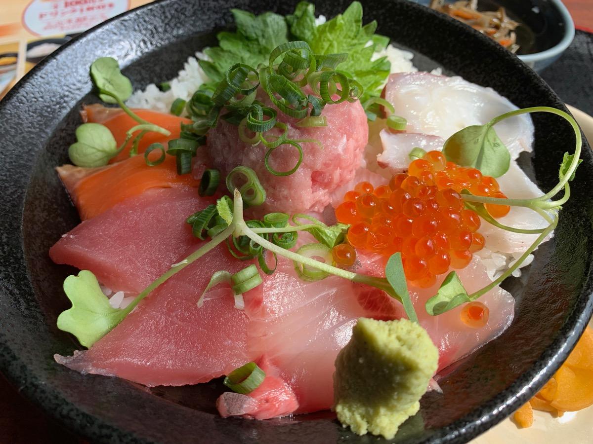北の味紀行と地酒北海道東京オペラシティ店の海鮮丼