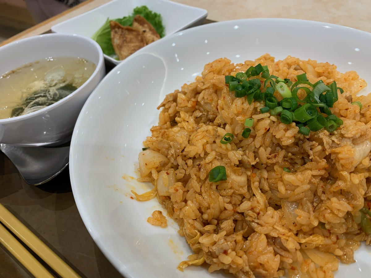 イーストキャラバン(上海キッチン)のキムチ炒飯
