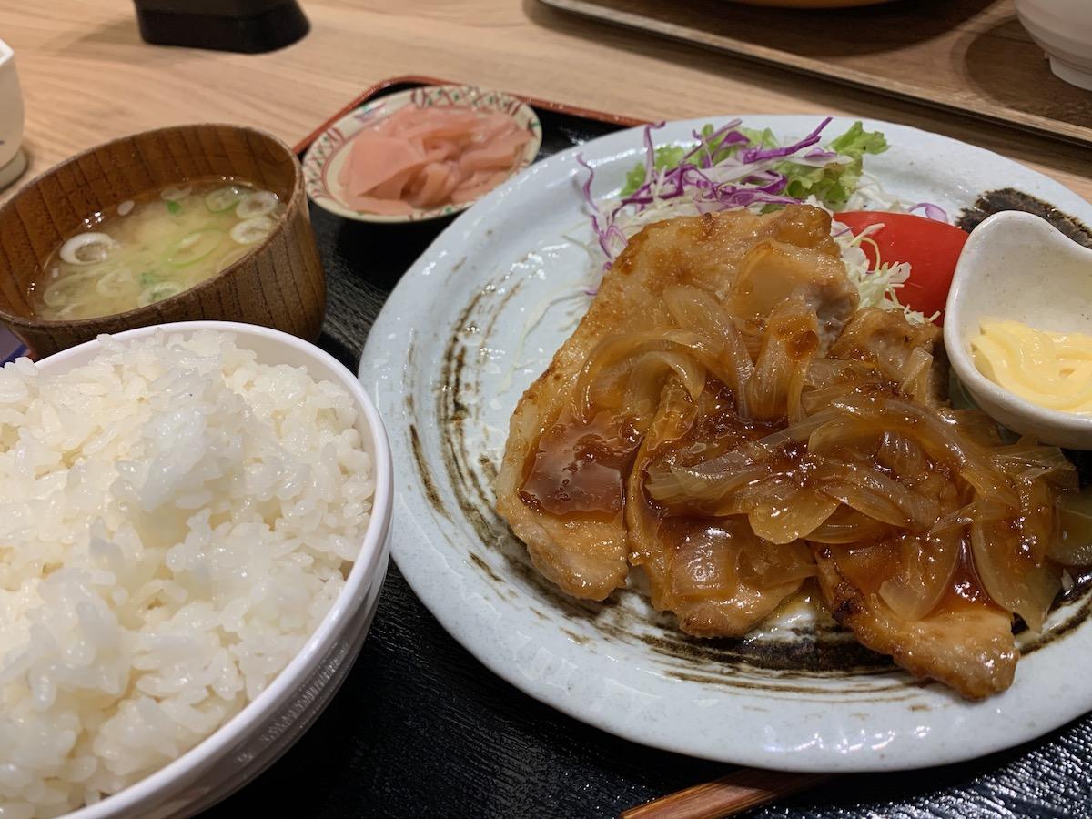 百跳の豚肉の生姜焼き