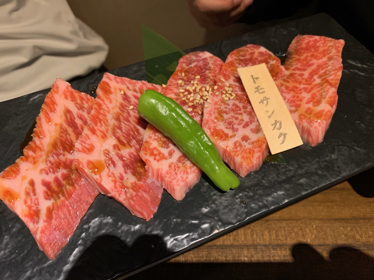 和牛焼肉ブラックホール歌舞伎町本店のトモサンカク