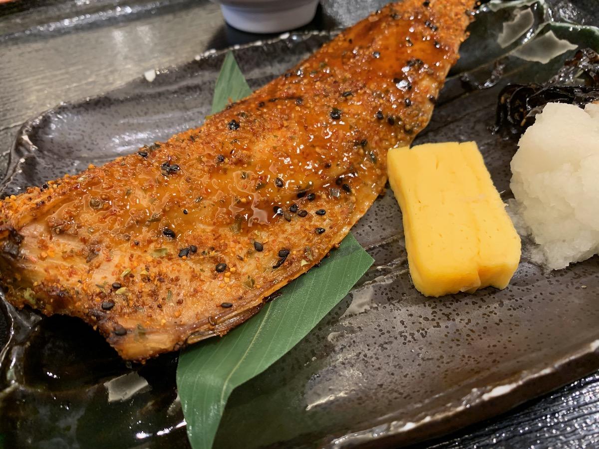 百跳の鯖の七味焼き