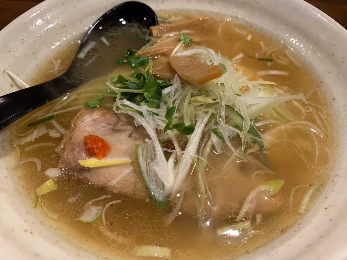 中華麺屋まんまるの限定ゆず塩らー麺